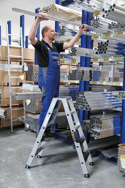 Aluminium-Stehleiter 250 kg beidseitig begehbar, 2 x 6 Stufen